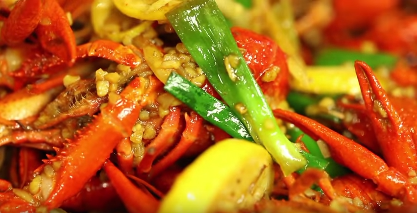 How Vietnamese Cooks Upped the Ante on the Cajun Crawfish Boil