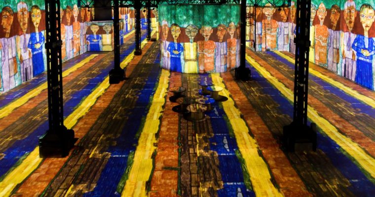 A New Immersive Installation in Paris Lets You Step inside Klimt's Masterpieces